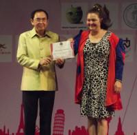 Anna-Maria Schlemmer bei der Preisübergabe in Bangkok im November 2014.